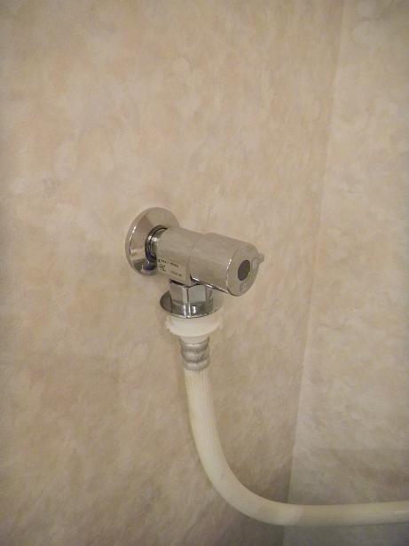 M様邸 洗濯機用水栓工事